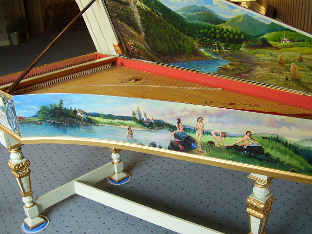 Sideview of the Bentside Painting and lid images